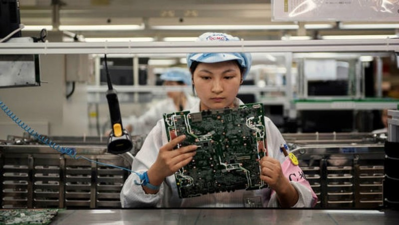 China Factory Activity Shrinks For First Time In 7 Months, Stimulus Expected