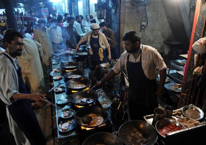 Food in Pakistan Gets Social
