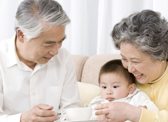 Ageing Japan sees first population decline