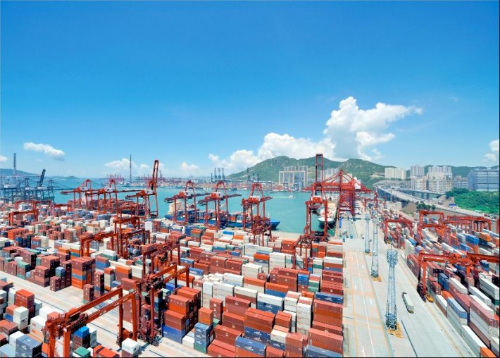 Asian ports dominate in container traffic in the world