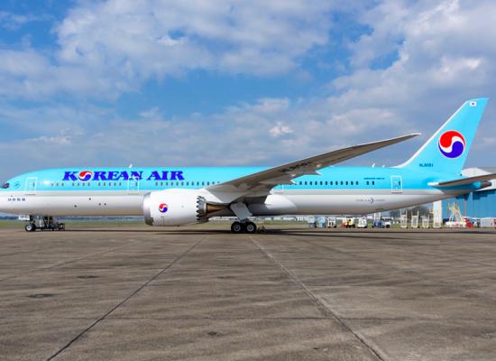 Korean Air Debuts the Dreamliner