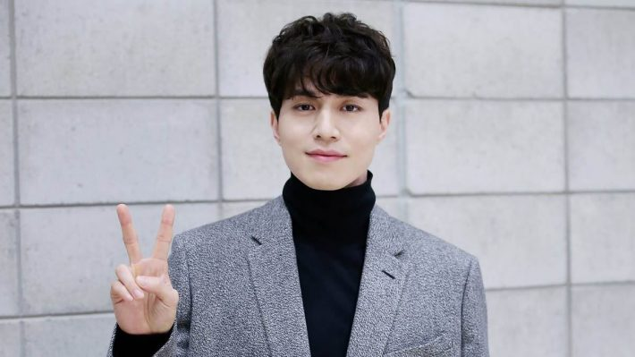 South Korean celebrity Lee Dong Wook visits Taiwan to meet his fans
