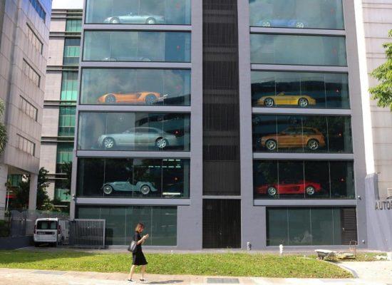 Alibaba bringing' car vending machines' to China