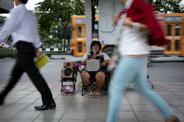 Blind singers break through Bangkok's sound barrier
